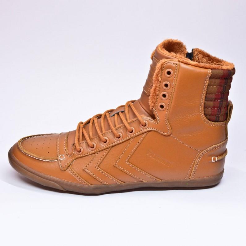 Abbigliamento e scarpe donna Hummel: uno streetwear semplicemente meraviglioso