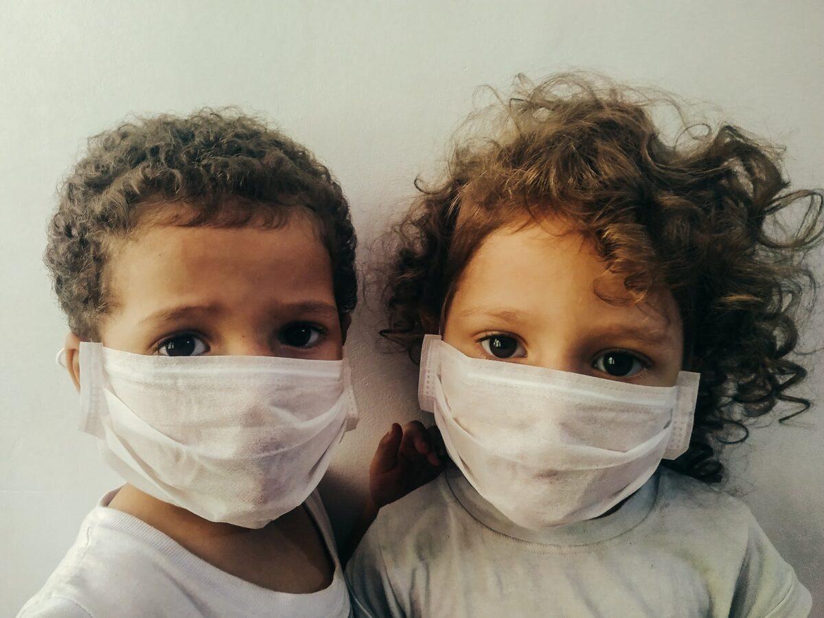 Mascherine per bambini: quando devono essere indossate?